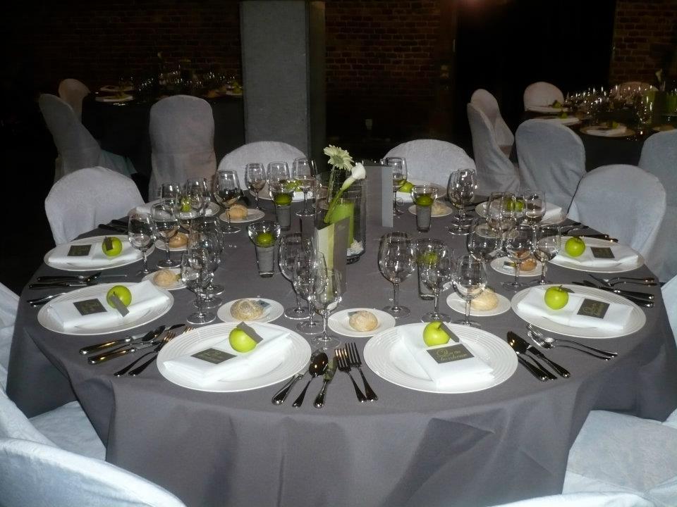 Banquets locations nivelles t l 067550 - Vaisselles de table ...