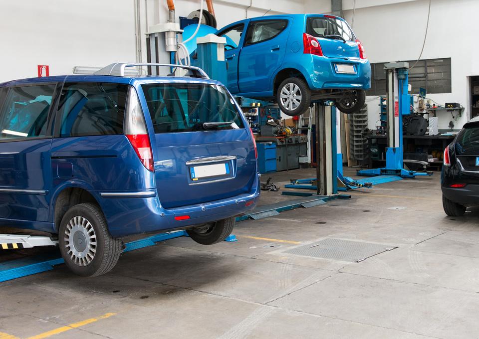Carrosserieherstellingen - Auto's - Garage Saint Julien - 1