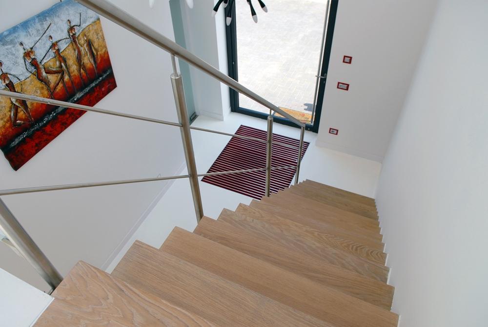 Deuren en trappenhuis goed idee jc eede tel