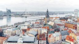 Cautã în Letonia