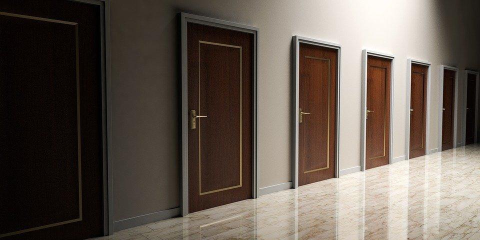 Prečo sa rozhodnúť práve pre bezpečnostné dvere?
